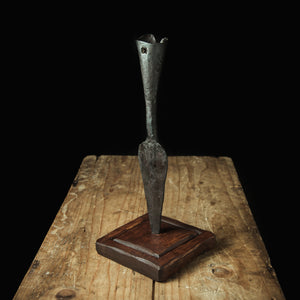 Spearhead candle holder