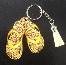 Load image into Gallery viewer, Flip Flop keychain