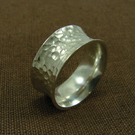 WORLD FINDS - Convex Hammered Ring - The Nature of Beauty