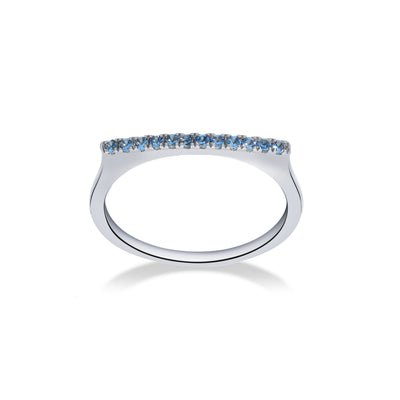 Stapelbare Bar Ring in witgoud met blauwe topaas
