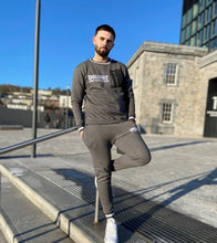 Load image into Gallery viewer, Men's Gray Tracksuit