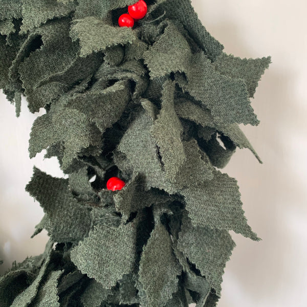 Holly Leaf Raggy Wreath