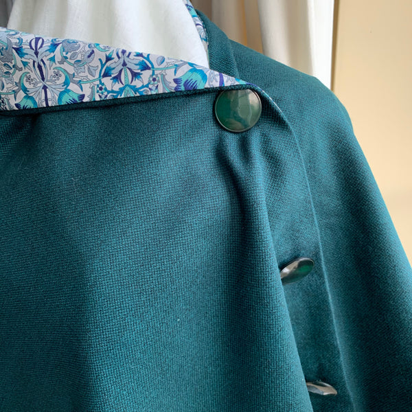 Skye wrap with printed cotton lining (dark green)