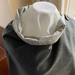 Skye wrap with printed cotton lining (olive green)