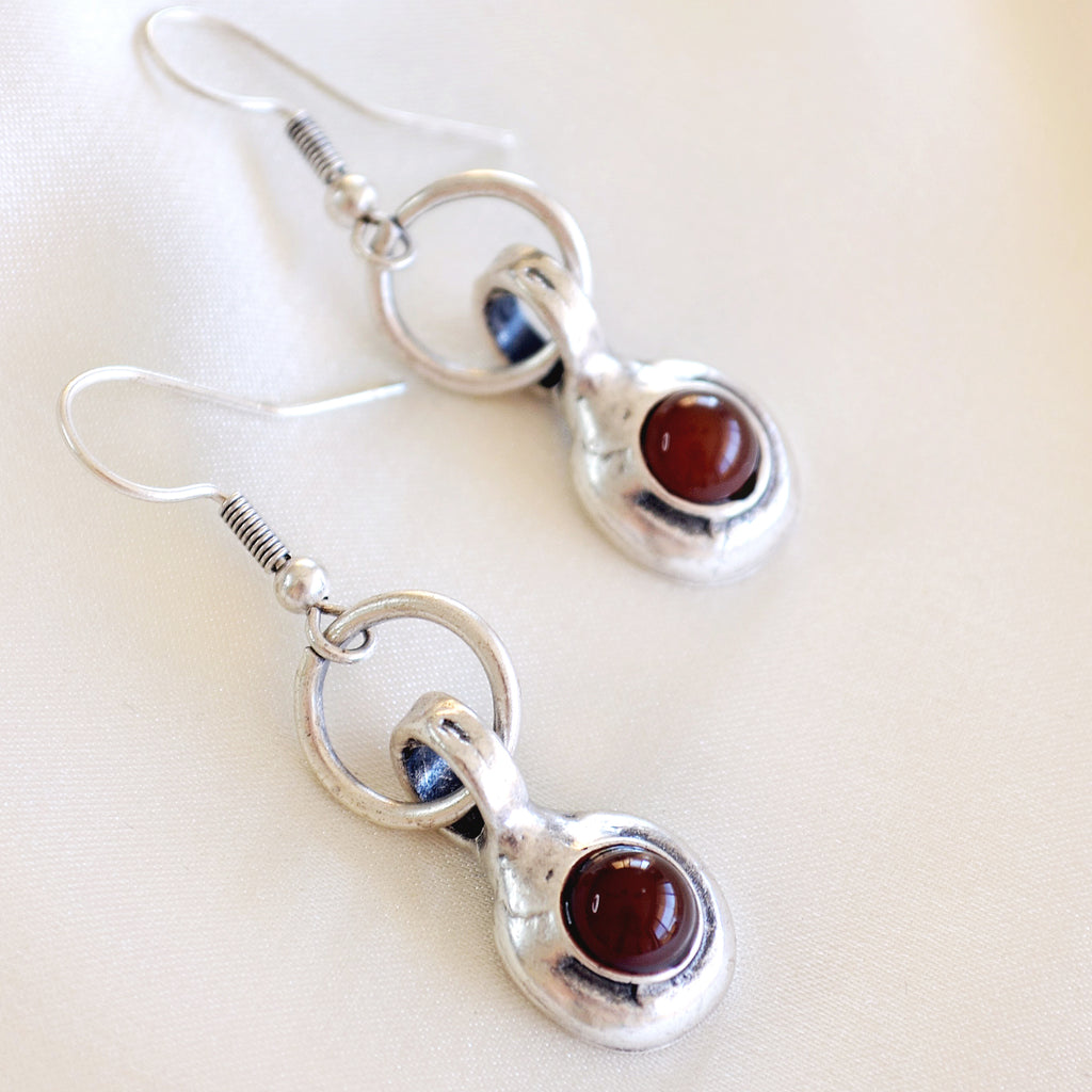 Chelsea Earrings - Red stones