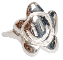 Load image into Gallery viewer, flowerface ring - silver
