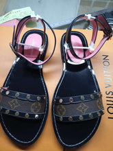 Load image into Gallery viewer, Louis Vuitton sandals