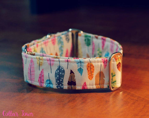 Feminine Feathers Martingale Dog Collar, 1.5