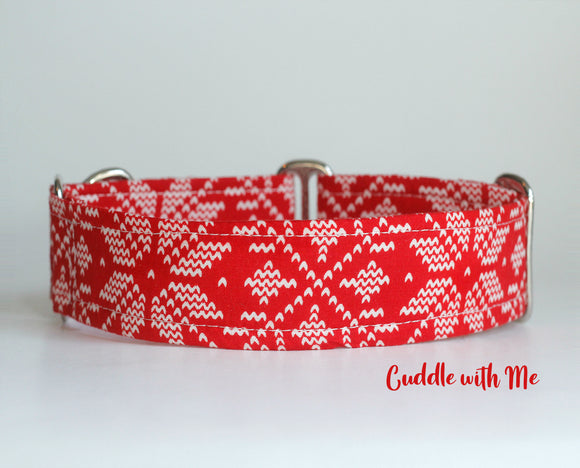 Red Snowflakes Cottage Dog Collar
