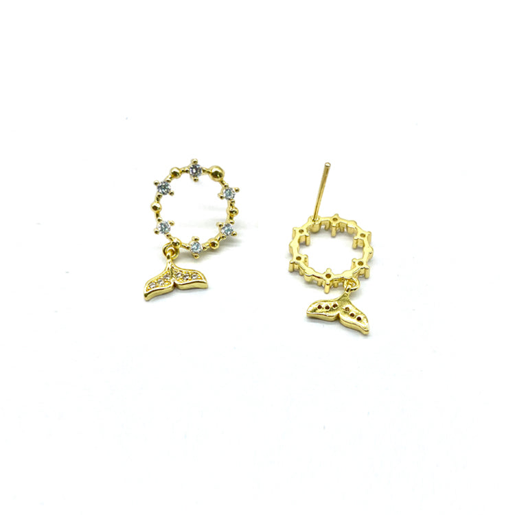 Whale's tail Stud Earrings