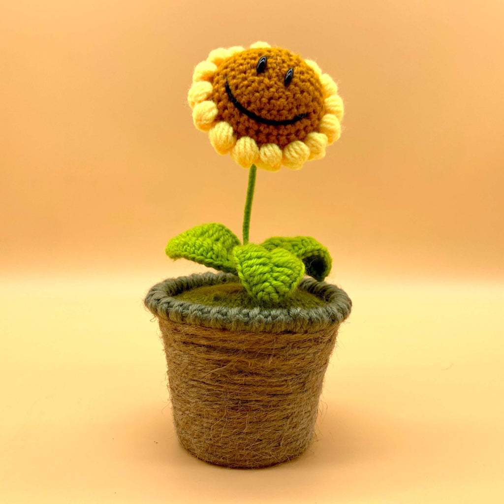 Sunflower Kniting Doll Decor