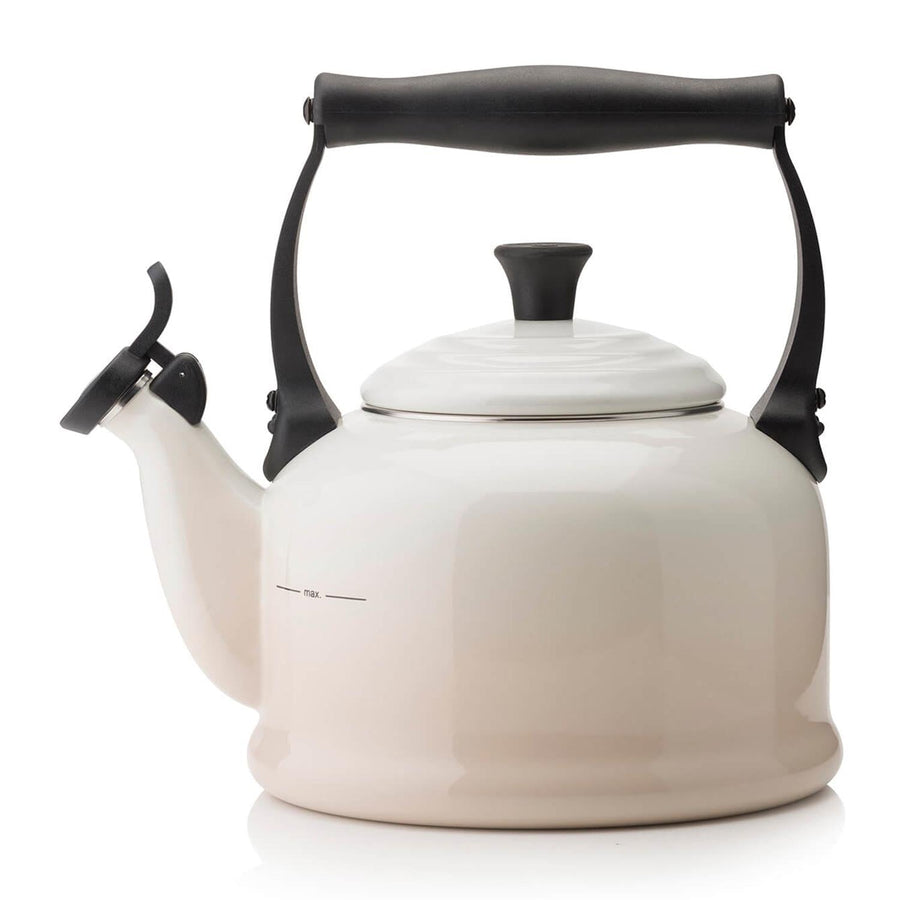 Le Creuset Traditional Kettle Meringue