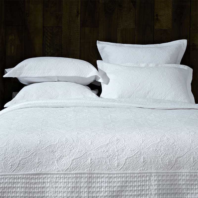 Windsor White Bedspread