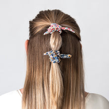 Load image into Gallery viewer, Hair Scrunchie Bow Pink