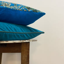 Load image into Gallery viewer, Turquoise Gudri Cushion Complete