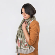 Load image into Gallery viewer, Naomi Ladies Wrap Green / Orange