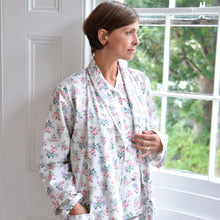 Load image into Gallery viewer, Bella Rose Floral Ladies Dressing Gown