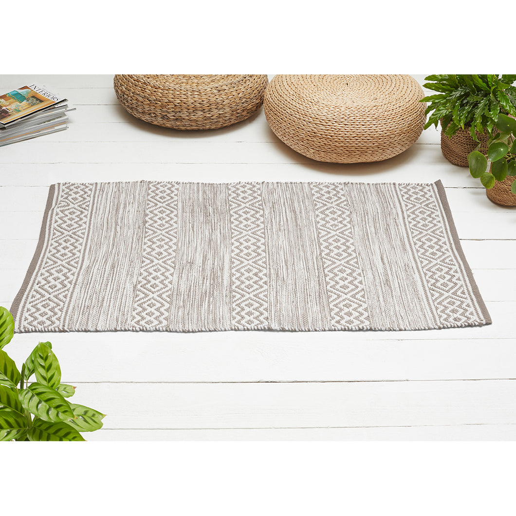 Diamond Design Rug made from Recycled Plastic Bottles Natural