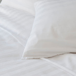 Luxurious White Duvet Cover Set