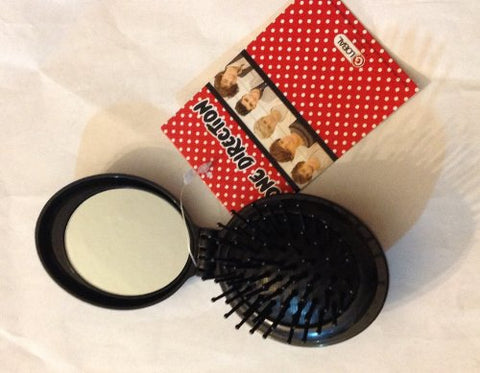 1D One Direction Compact Combo Fold Up Hair Brush and Mirror with Whole Band Picture