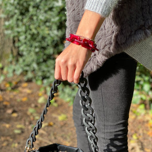 Fire square bracelet in shiny red