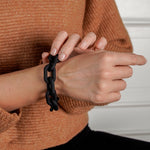 Lily bracelet in round matt black