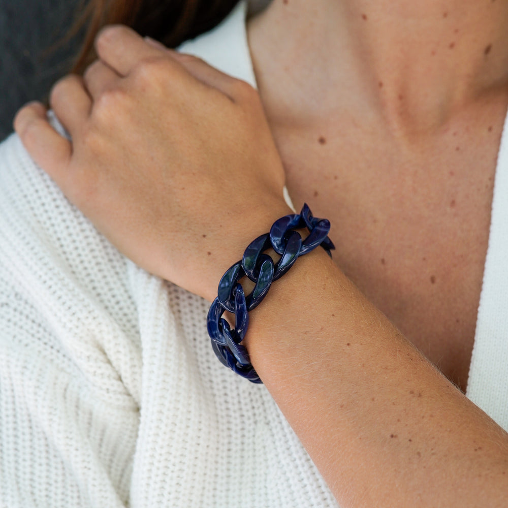 Cecile bracelet in shiny navy