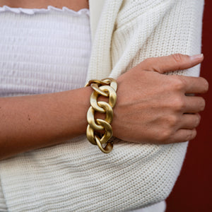 Load image into Gallery viewer, Goldie bracelet in matt gold