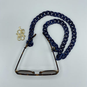 Patty mouth cap & glasses chain in shiny navy