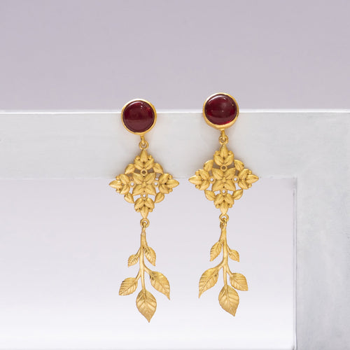 Red stone leaf drop earrings - Ssoul Eternal You