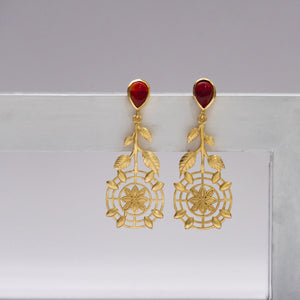 Red Stone centre flower leaf set earrings - Ssoul Eternal You