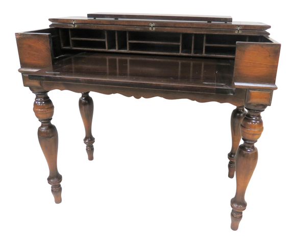 Antique Hekman Furniture Spinet Desk