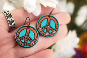 Mini Peace Symbol and Daisies