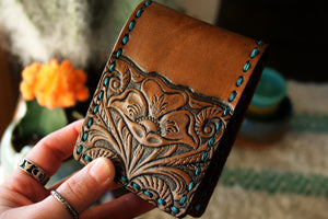 Custom wallet for Yasmine