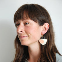Load image into Gallery viewer, CASSIOPEA EARRINGS // BRUSHED