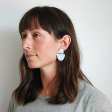 Load image into Gallery viewer, FREYA EARRINGS // RAINDROPS