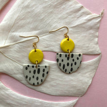 Load image into Gallery viewer, MAHLIA EARRINGS // RAINDROPS