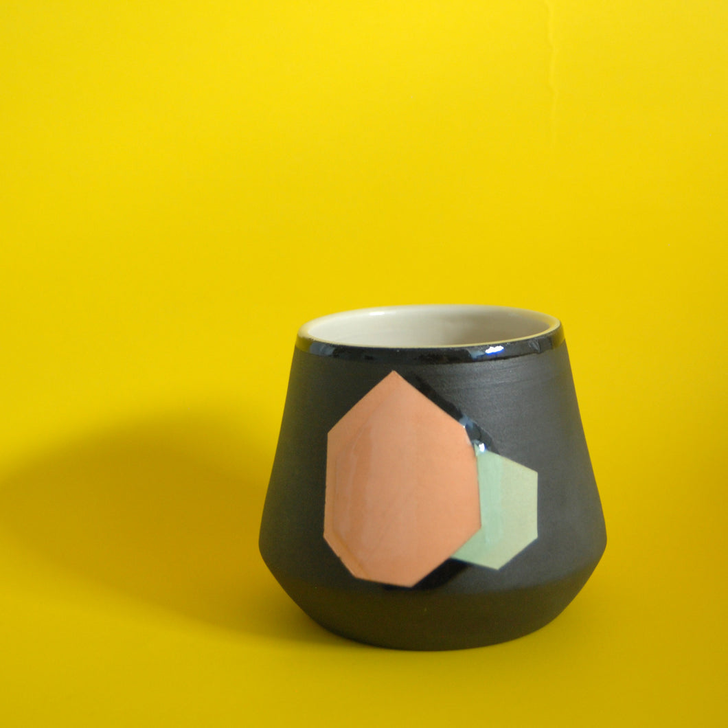 VASE // PEACH MINT HEXAGON ZOOMED OUT