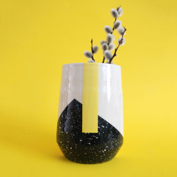 VASE // YELLOW STRIPE