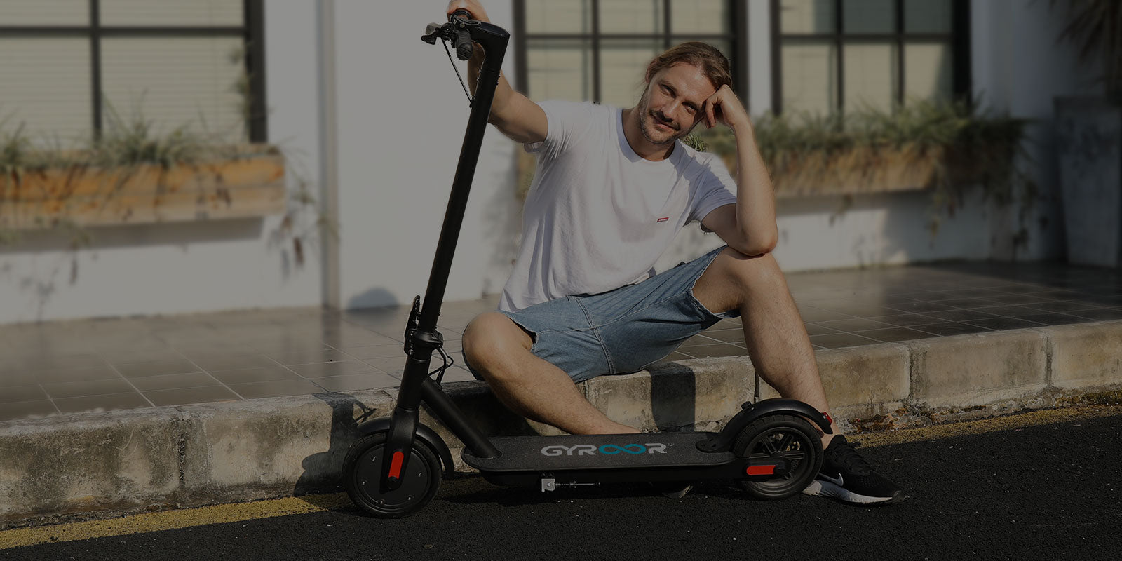 Gyroor scooter