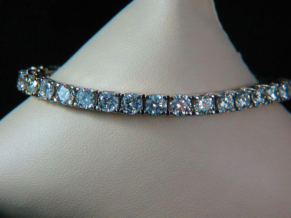 14K White Gold 13.45 Ct. Diamond Tennis Bracelet
