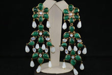 Load image into Gallery viewer, Malachite and Mother of Pearl Earrings