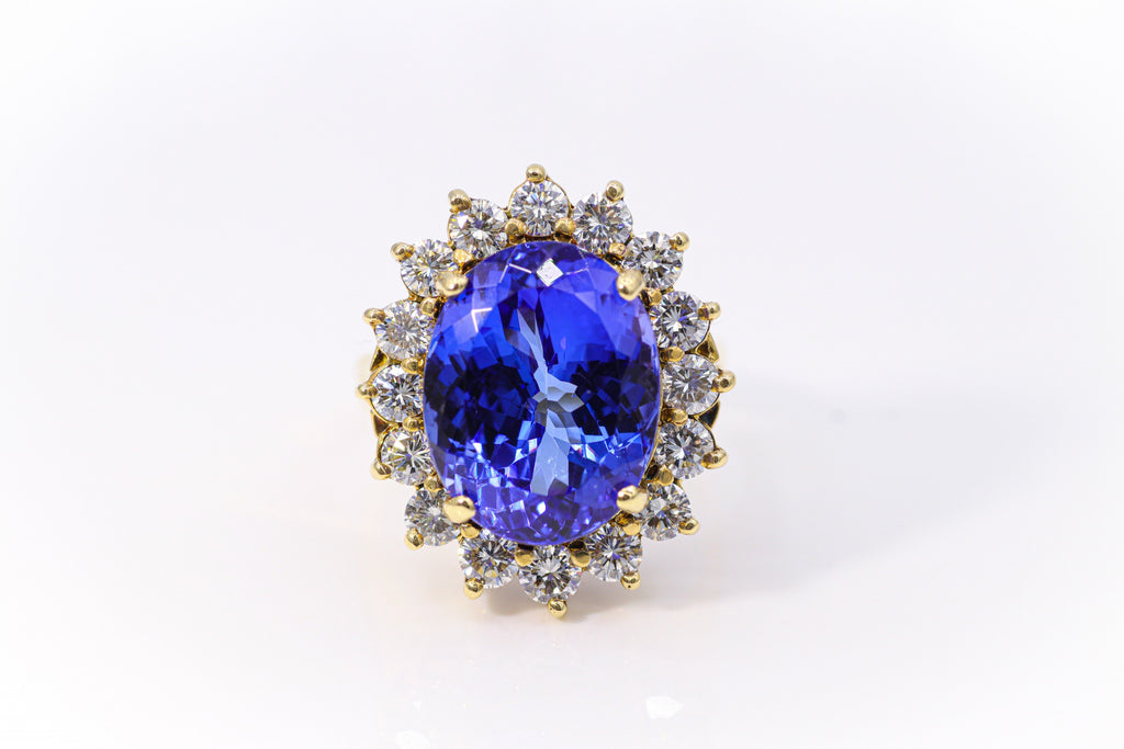 Oval Tanzanite Yellow Gold Ring