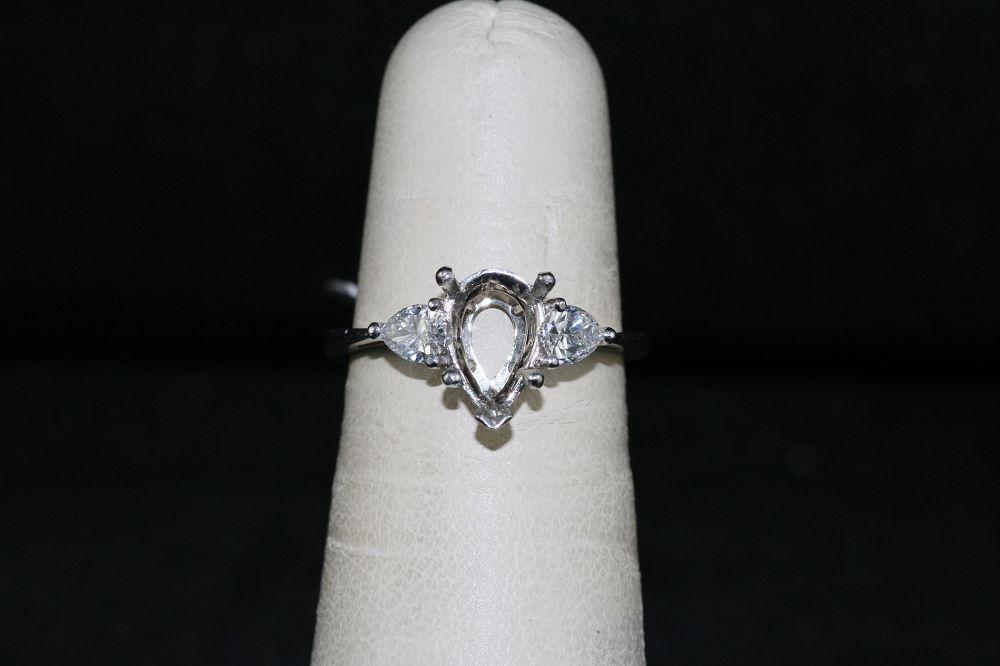 Platinum Engagement Ring Semi-Mount