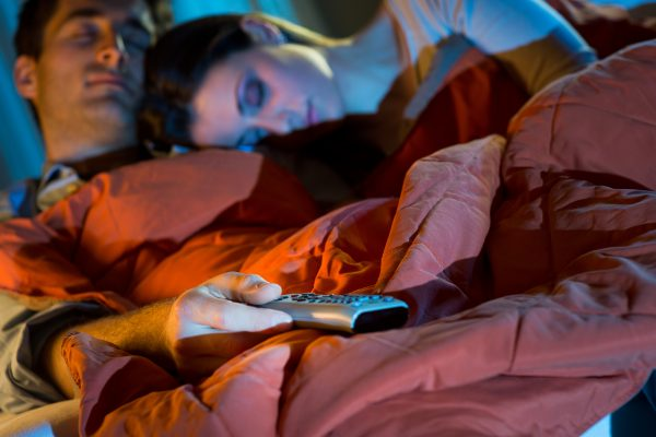 sleeping, artificial light and weight gain linked in women