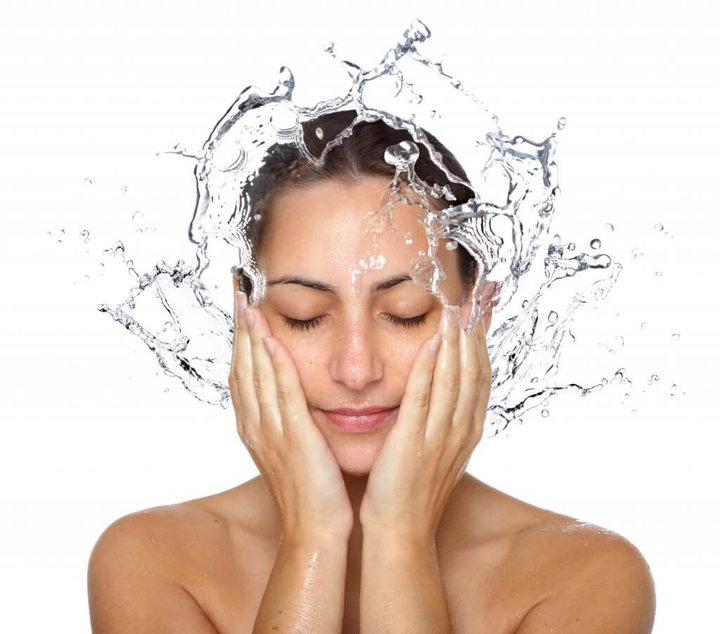 Dermatologist's tips to prevent and treat dehydrated skin