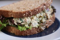 a good lunch for healthy skin includes course grain bread, tuna and fresh veggie