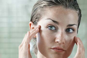 Acne and Skin Aging Combination