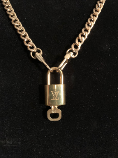 "High Quality Gold Tone 31"" Long Flat Curb Link Chain Authentic Louis Vuitton LV Lock & Key"