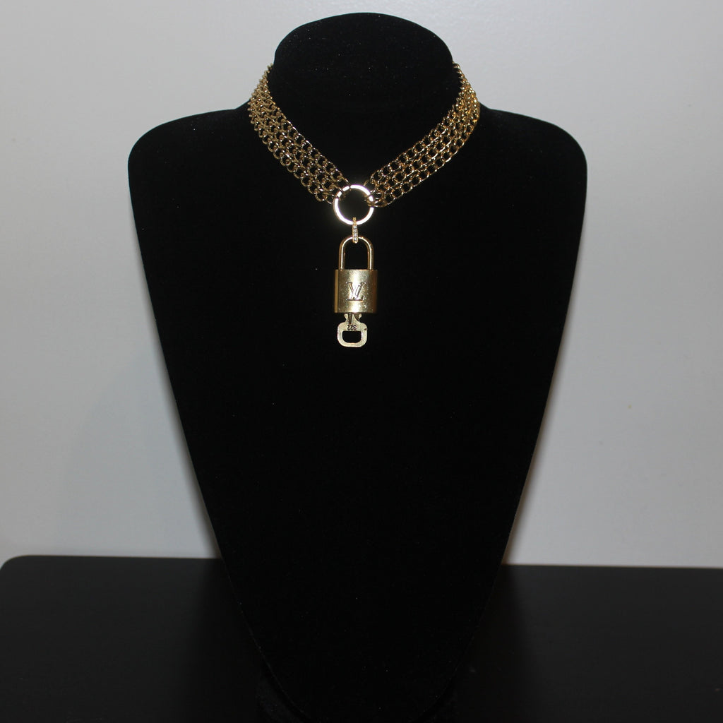 Gold Tone 3 Row Chunky Curb Chain O Ring Choker Necklace With 100% Authentic Louis Vuitton Lock and Key